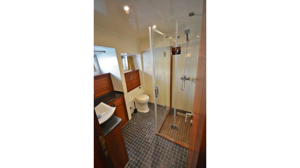 sailing yacht for sale bath (6)