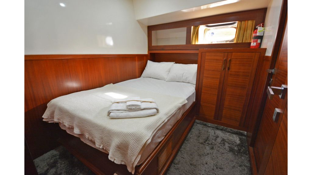 sailing yacht for sale cabins (1)