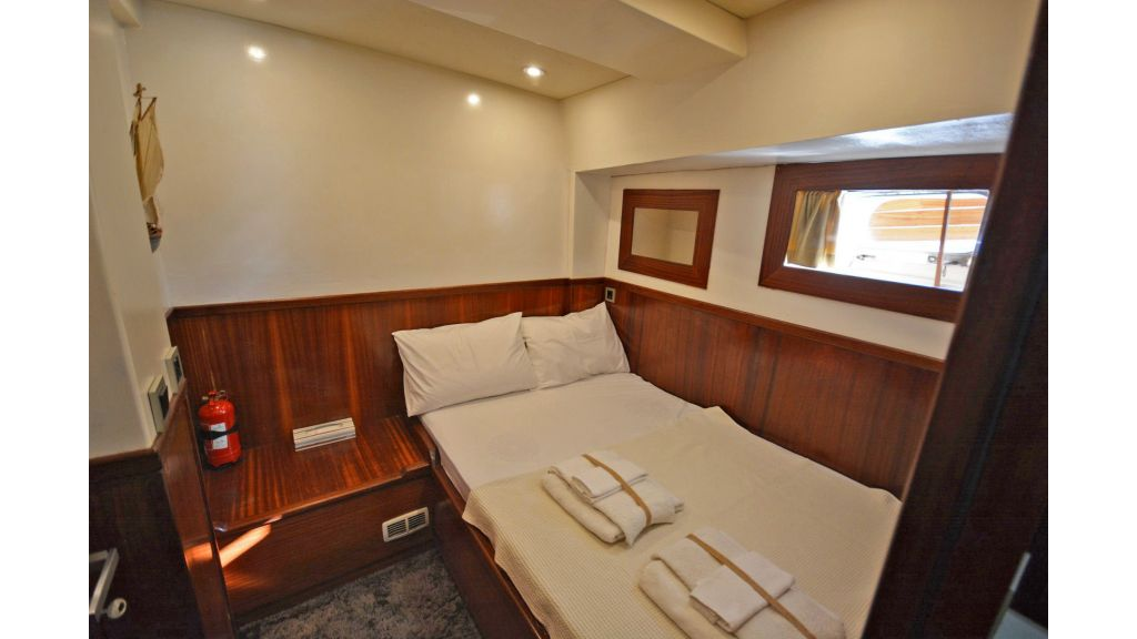 sailing yacht for sale cabins (10)