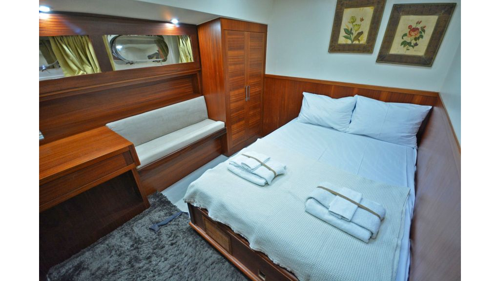sailing yacht for sale cabins (14)