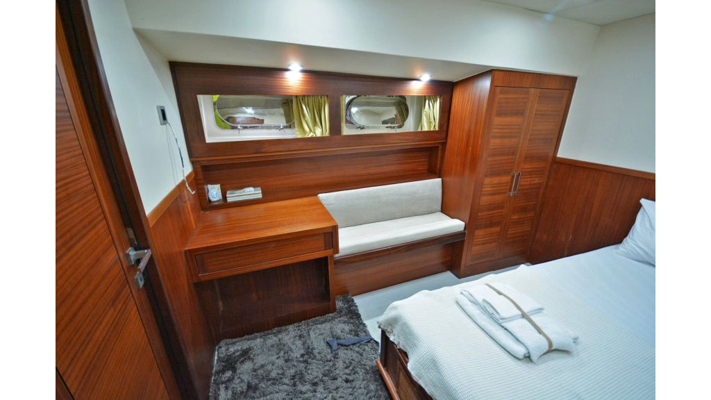 sailing yacht for sale cabins (15)
