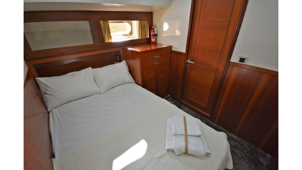 sailing yacht for sale cabins (2)