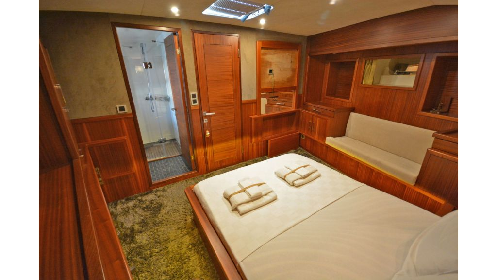 sailing yacht for sale cabins (5)