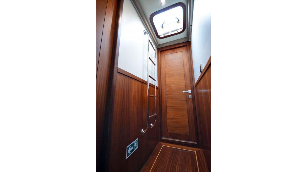 sailing yacht for sale corridor (1)