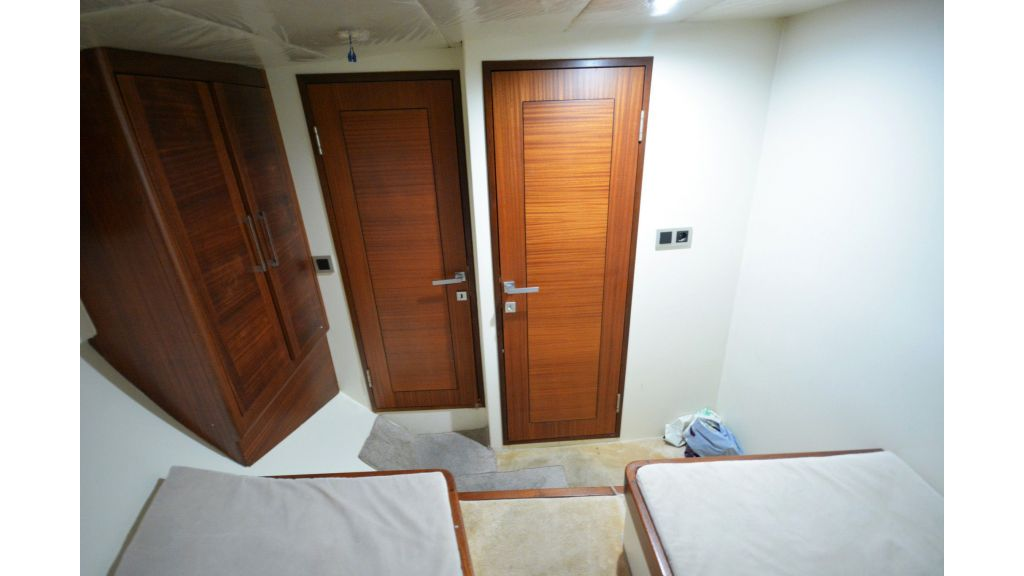 sailing yacht for sale crew (3)