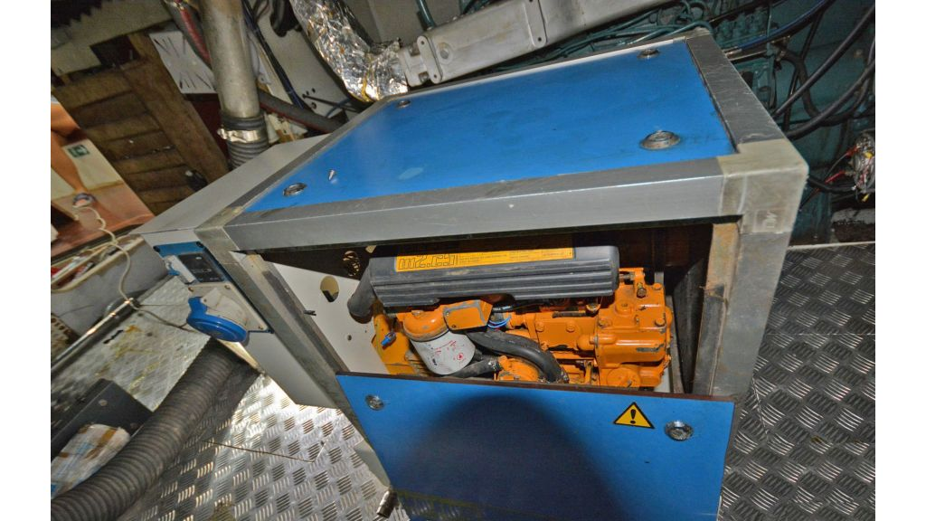 sailing yacht for sale engine (10)