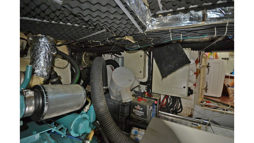 sailing yacht for sale engine (9)