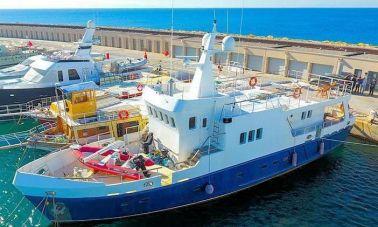 Istra 2 Custom Steel Trawler (4)